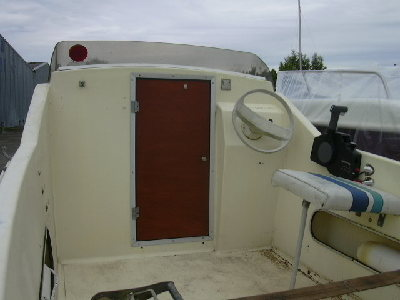 jouandoudet esturgeon 425 cabine occasion de 1983. Black Bedroom Furniture Sets. Home Design Ideas